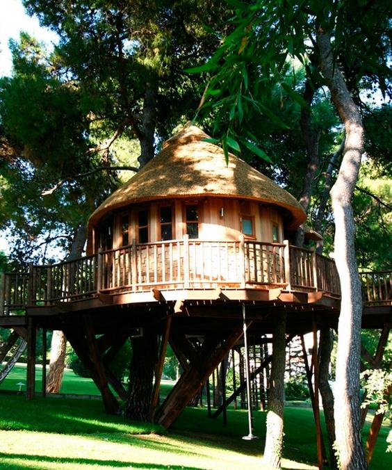 Дом на деревьях для греческого Джеймса Бонда