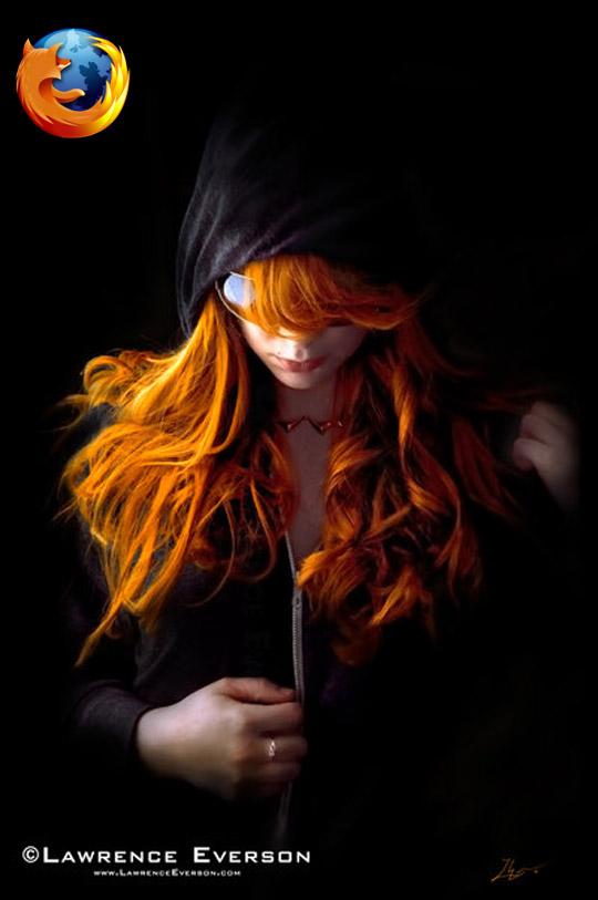 Девушка firefox с огненно рыжими волосами