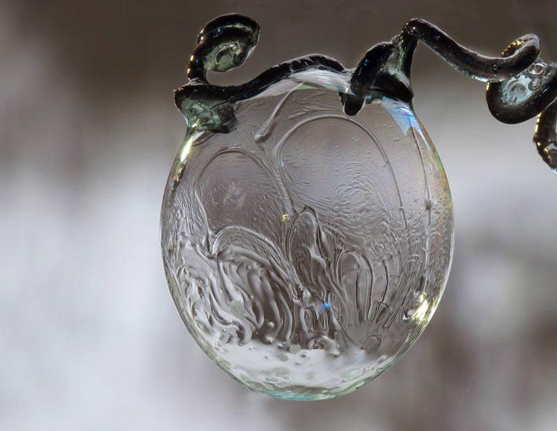 Мыльные пузыри на морозе