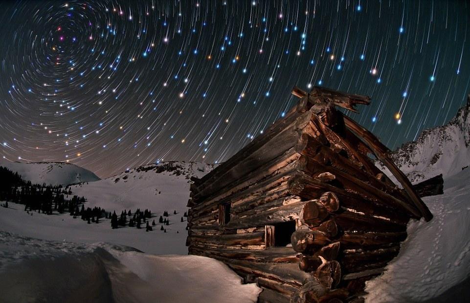 Головокружительный танец звезд на ночном небе