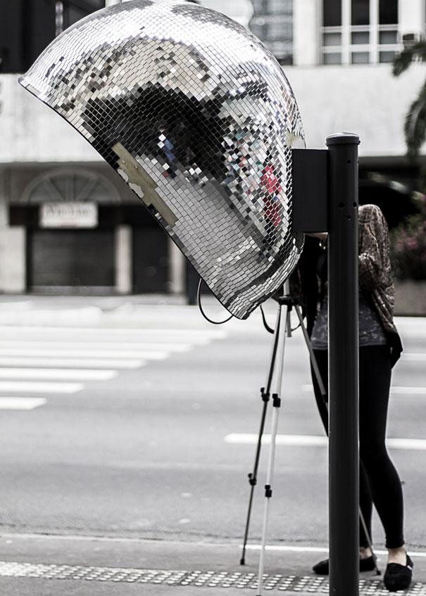 Необычные телефонные будки на улицах Сан-Паулу