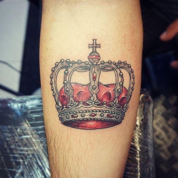 Тату короны с крестом