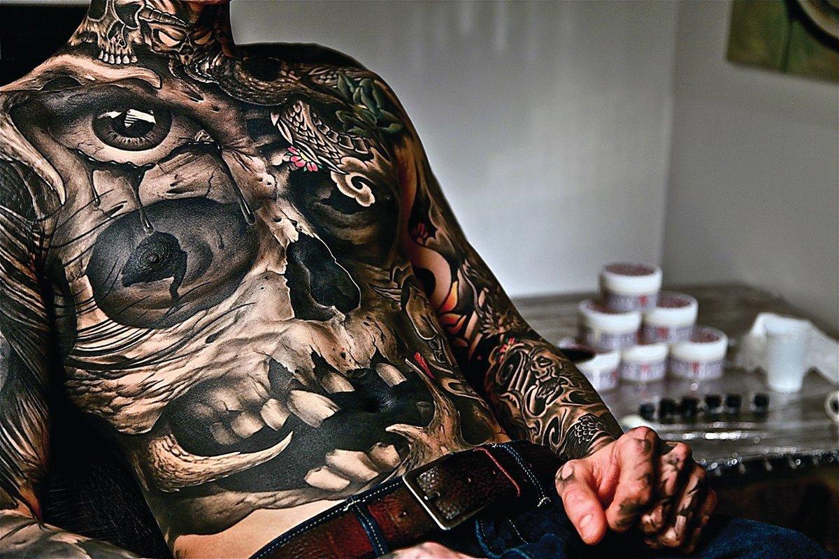 Татуировка на все тело