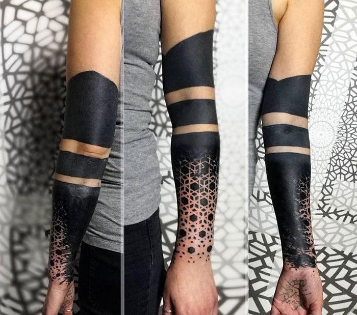 Черный рукав