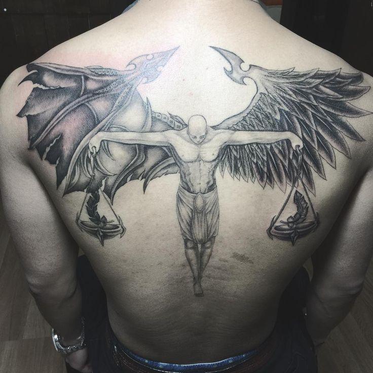 Тату ангел с весами