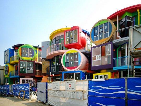 """Инновационный жилой комплекс """"Reversible-Destiny Lofts"""" в Японии"""