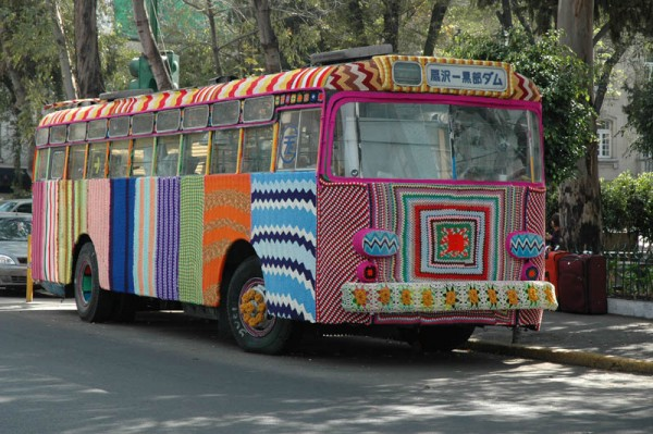 «Вязаный автобус в Мехико», фото: Cesar Ortega