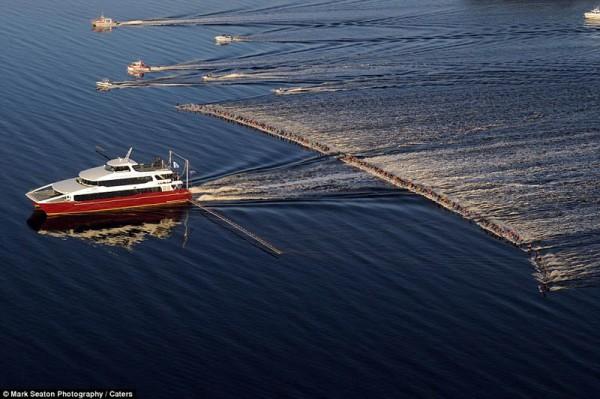 «Один катер и 145 водных лыжников», фото: MARK SEATON