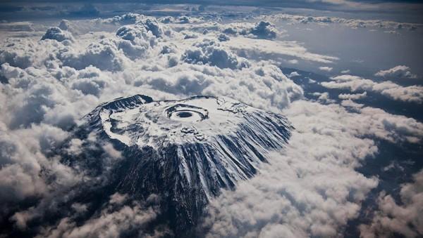 «Килиманджаро сверху», фото: KYLE MIJLOF