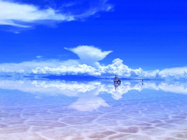 «Солончак Уюни после дождя», фото: Paean on Reddit