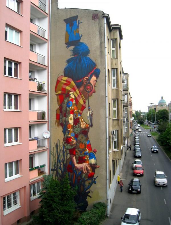 «Большая девочка стрит-арта», фото: Fundacja Urban Forms on Facebook
