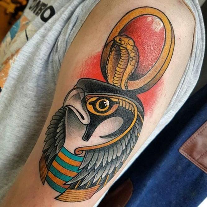 тату фараона на руке