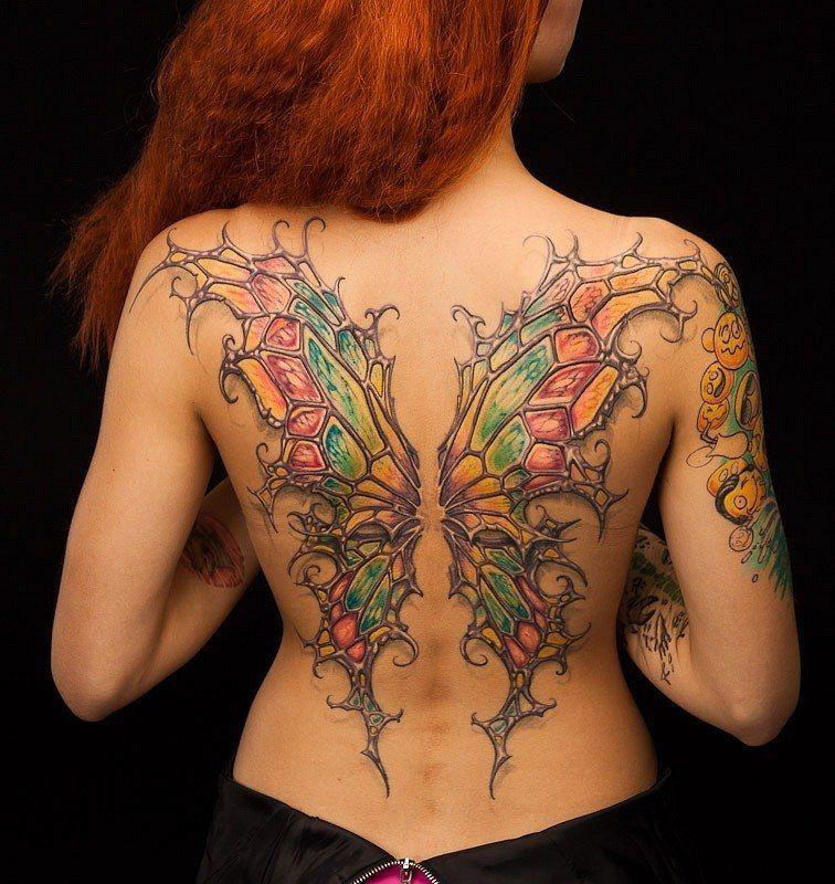 Тату Бабочка для девушки на спине