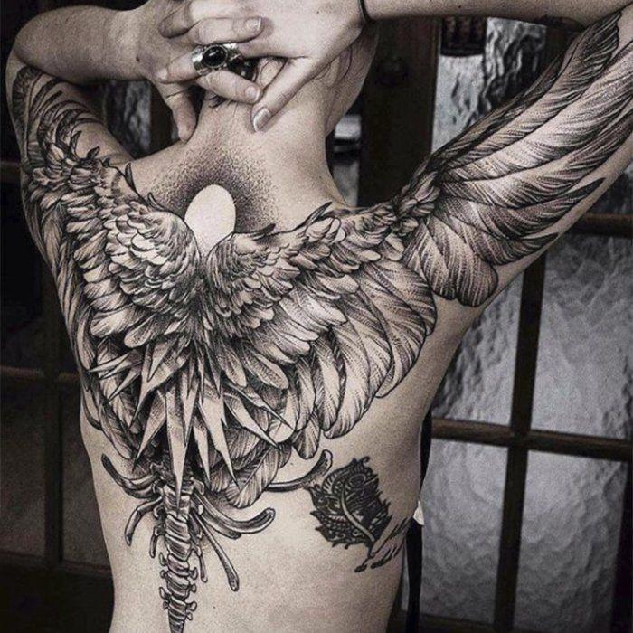 Тату крылья на спине и руках