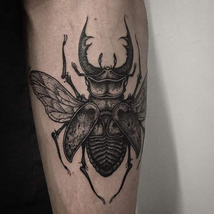 Татуировка жука