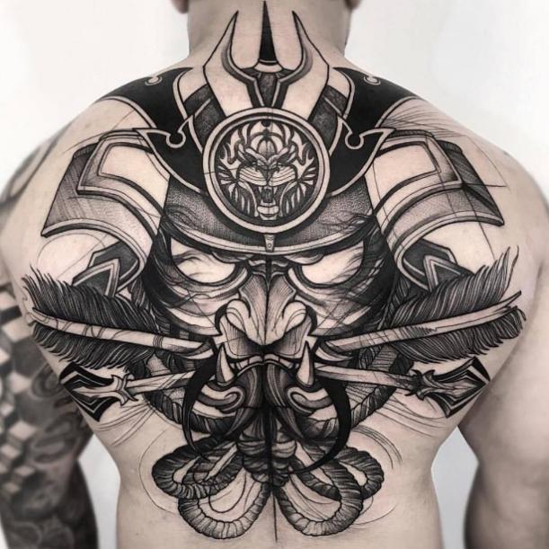 Изображение самурая. Спина