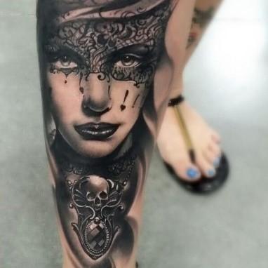 Женский портрет. Нога