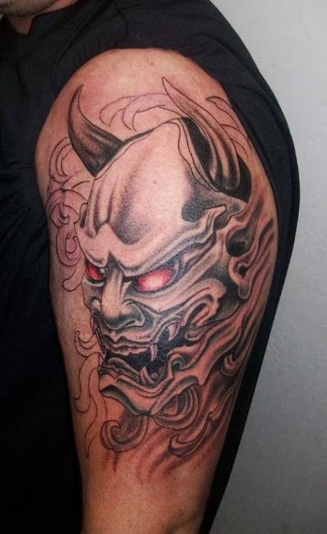 Изображение демона с красными глазами