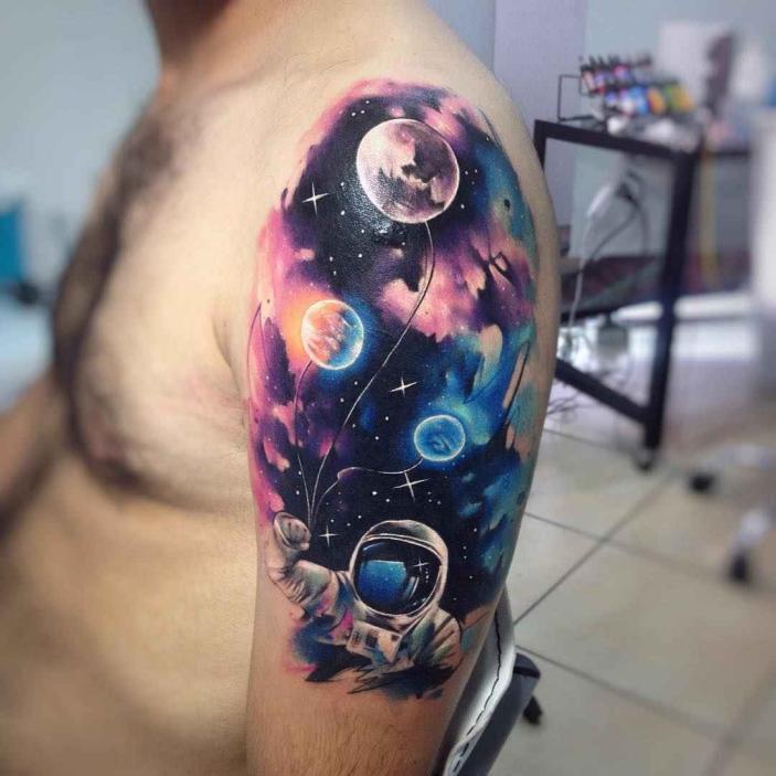 Красочный космос тату