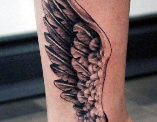 Татуировка на щиколотке на щиколотке с 3d-углом крыла