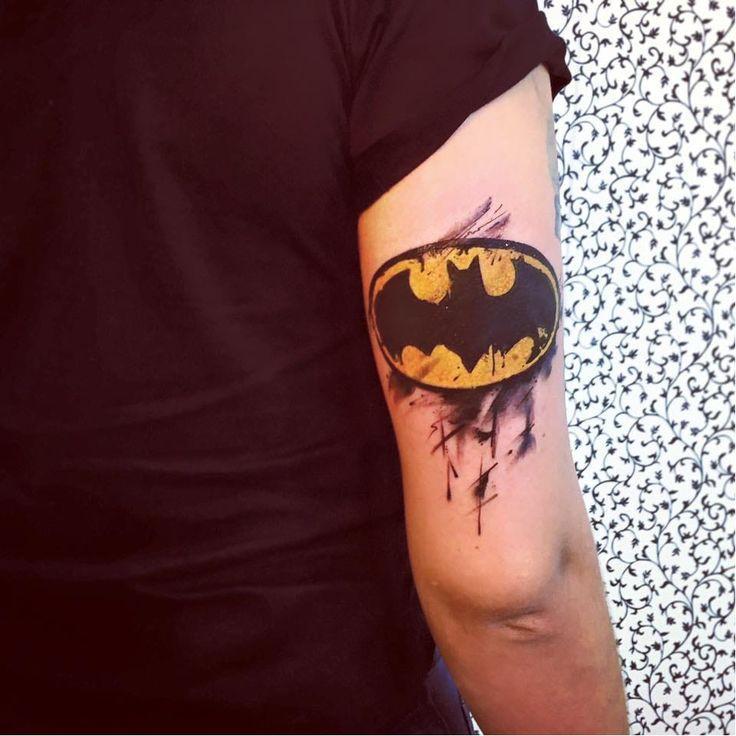 Тату Бэтмен на руке
