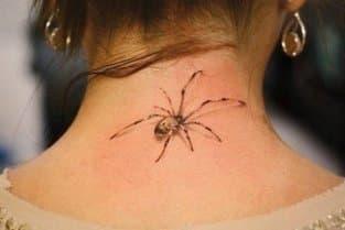 тату оберег паук на шее